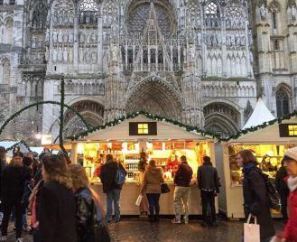 A la recherche d'idée cadeau au Marché de Noël de Rouen
