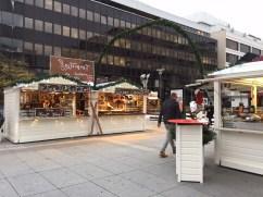 Chalets de restauration sur le marché de Noël de Rennes