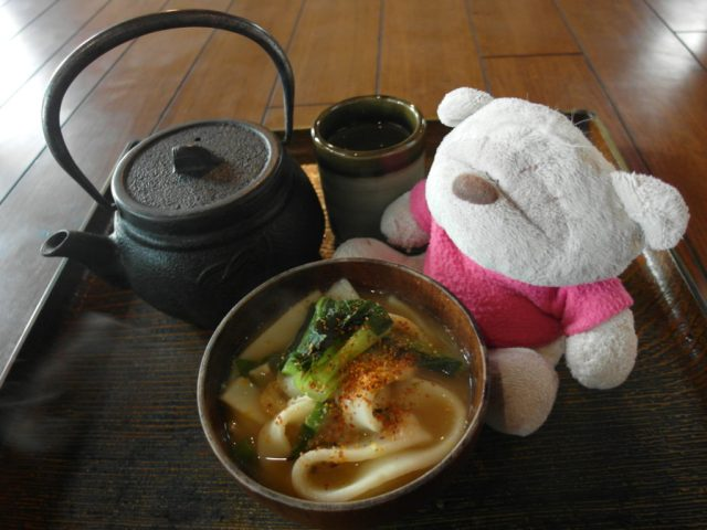 Complimentary tea at Sanrokuen Restaurant