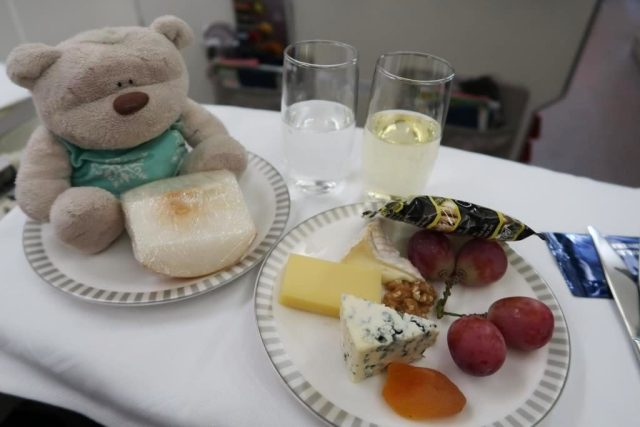 Singapore Airlines Business Class Dinner from Icheon to Singapore:  Cheese Selection and Fruit