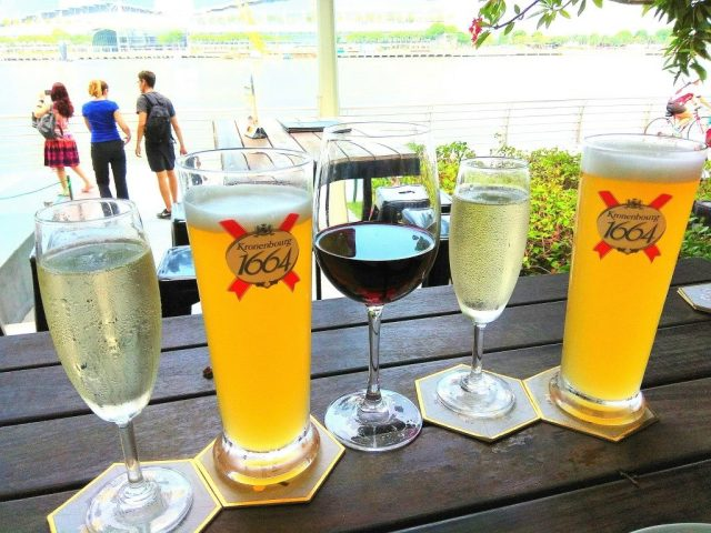 The Pelican Sunday Champagne Brunch alcoholic drinks choices includes prosecco beers and wines