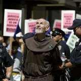 Священник получил пять лет тюрьмы за взятки от создателей Биткоин-обменника