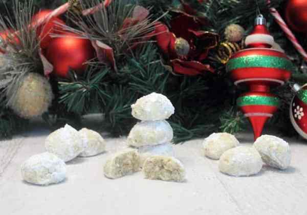 Brazil Nut Snowballs 2 | 2 Cookin Mamas