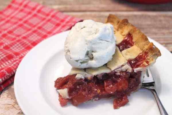 Cherry Pie closeup 1   2 Cookin Mamas