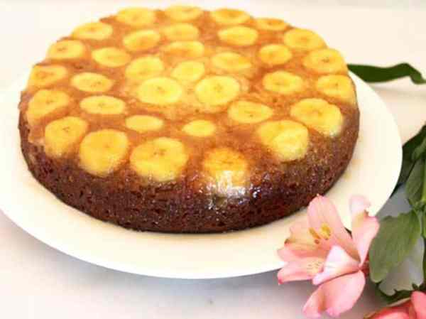 Banana Upside Down Cake | 2 Cookin Mamas