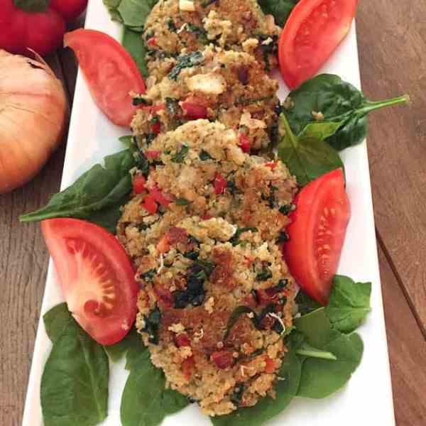 Quinoa Spinach Cakes closeup   2CookinMamas
