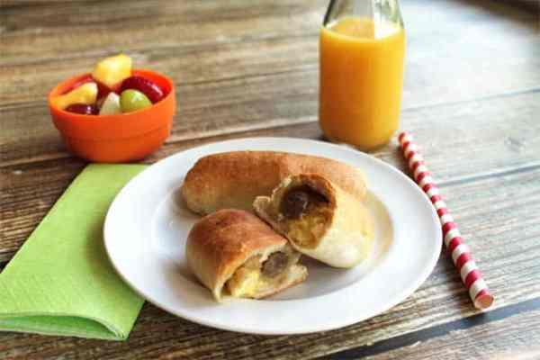 Breakfast Kolaches 670x440 | 2 Cookin Mamas