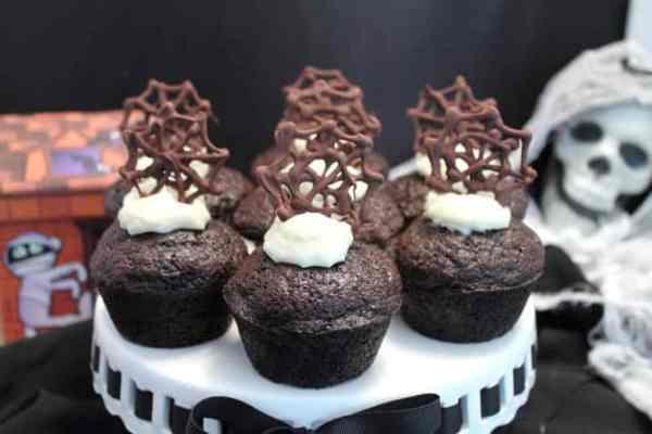 Chocolate Carrot Cake Cupcakes 670x447|2CookinMamas