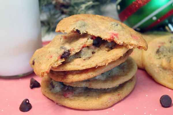 Peppermint Chocolate Chip Cookies 670|2CookinMamas