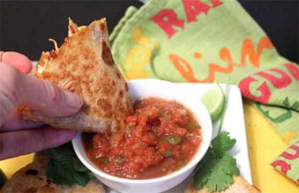 Chipotle Chicken Quesadillas dip it|2CookinMamas