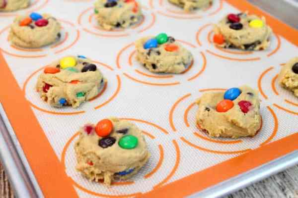 M&Ms Chocolate Chip Cookies ready to bake1|2CookinMamas