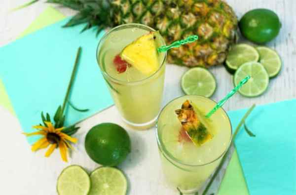 Pineapple Coconut Mojito 1 | 2 Cookin Mamas