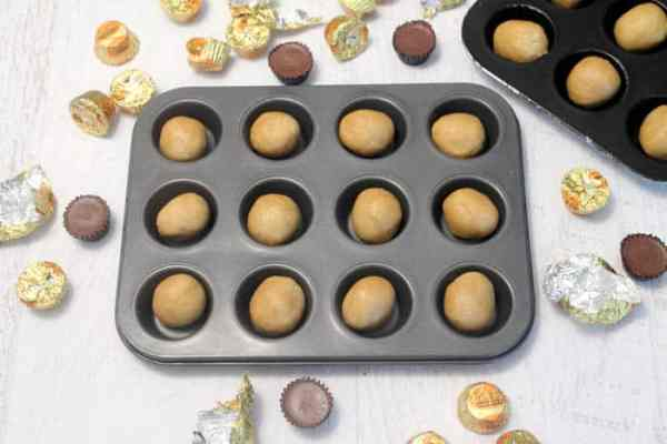 Peanut Butter Cup Cookies prep | 2 Cookin Mamas
