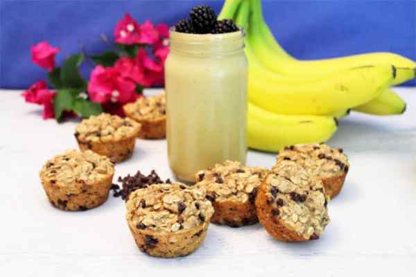 Banana Chocolate Chip Smoothie Muffins 1 | 2 Cookin Mamas