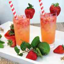 Strawberry Rum Fizz square | 2 Cookin Mamas