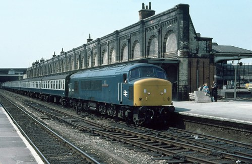 45055 at Leicester (JUL76)_640