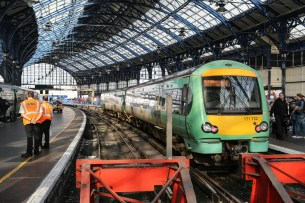 171722 at Brighton Station