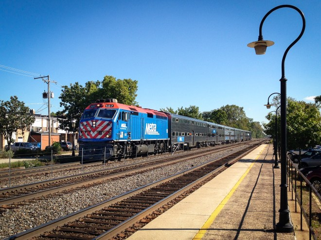 Westbound Metra commuter train in Riverside, Illinois