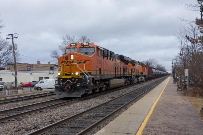 Westbound oil train in Riverside, IL