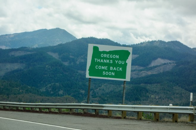 Leaving Oregon sign in the Siskiyou Mountains