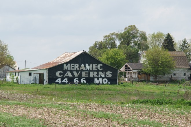 Meramec Caverns ad on a barn.