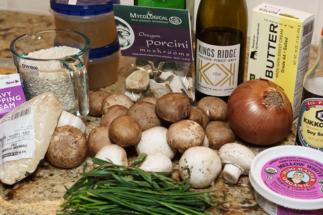 Mushroom risotto ingredients