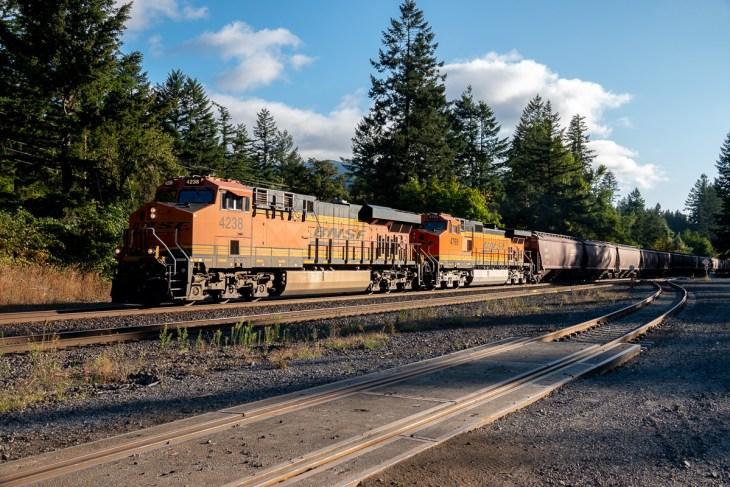 Westbound grain train at Skamania Landing RD, WA - Columbia Gorge