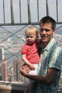 Magnus och Vilja uppe i Empite State Building