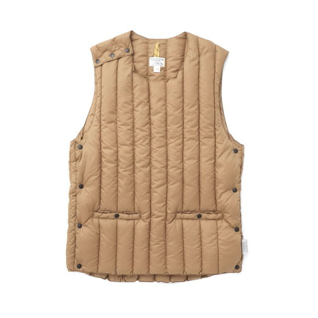 Rocky Mountain Featherbed - SIX MONTH VEST PULLOVER 輕羽絨背心 1