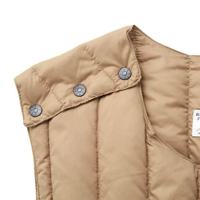 Rocky Mountain Featherbed - SIX MONTH VEST PULLOVER 輕羽絨背心 7