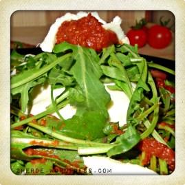 Rucola-Salat mit Pesto-Rosso-Dressing,