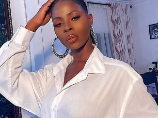 Fashion and Beauty Influencer and Former BBNaija housemate, Khloe has shared her thoughts on Simi's new song, 'Duduke.'