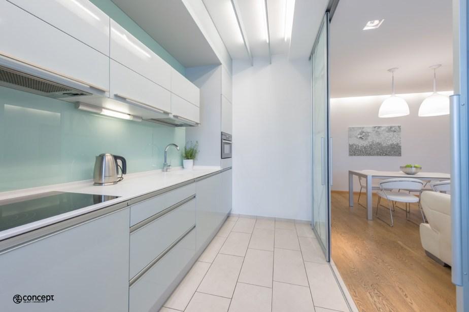 Einrichtungsidee mit Trennwand für moderne Küche