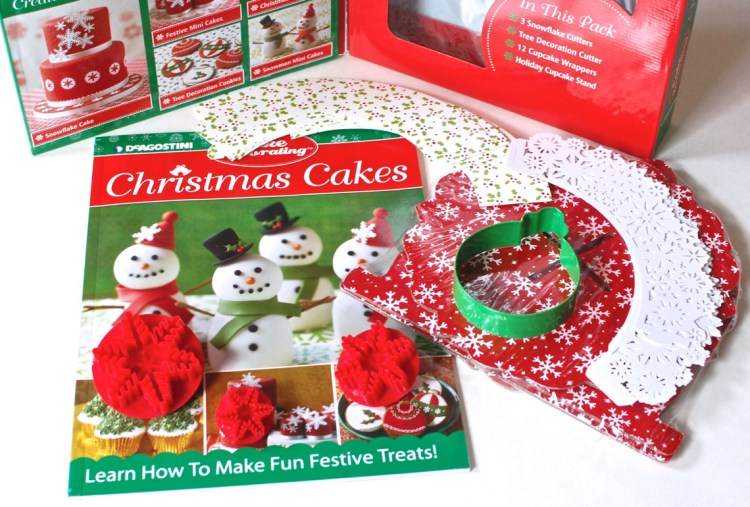 Christmas Cake Decorating Kit Review & Giveaway (10 Winners!)