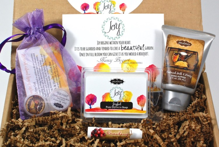 Joyful Jordan October 2015 Bath & Body Subscription Box Review