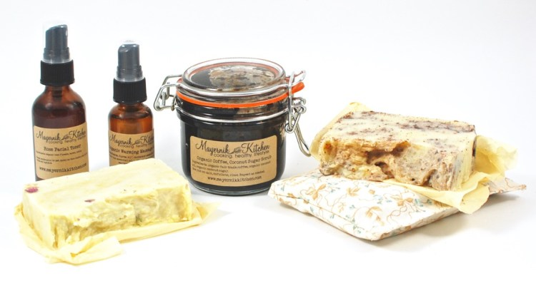 Mayernik Kitchen Out of the Woods Apothecary Box February 2016 Review