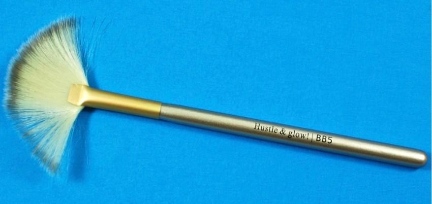 BB5 fan brush