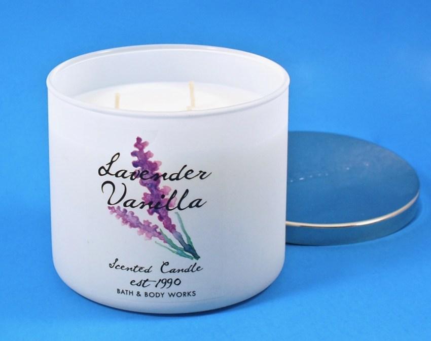 Bath & Body Works candle