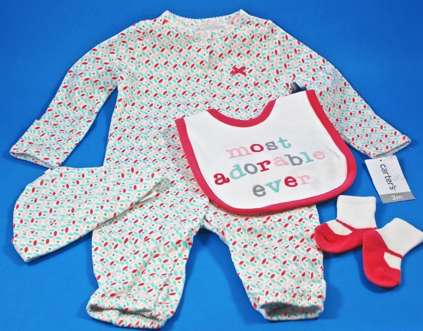 Carter's layette set
