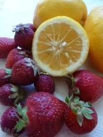 homegrown lemons + local strawberries FTW