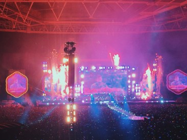 Coldplay play 'A Sky Full of Stars' live at Wembley
