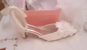 Low heel bridal shoe