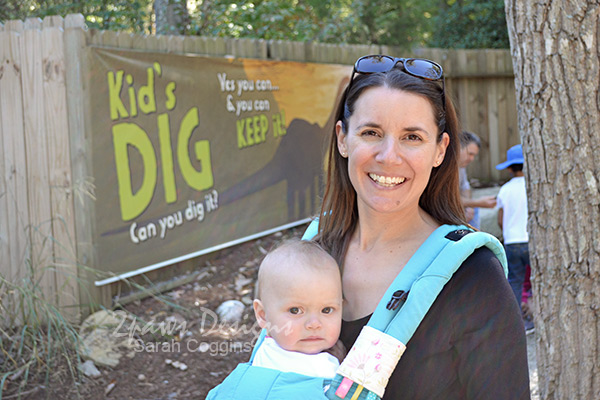 Elise's First Birthday at the Zoo - No to Dinosaurs
