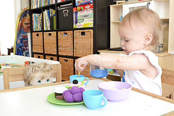 Toddler Tea Party with Gerber® Lil' Beanies™ Snacks #GerberWinWin #ad