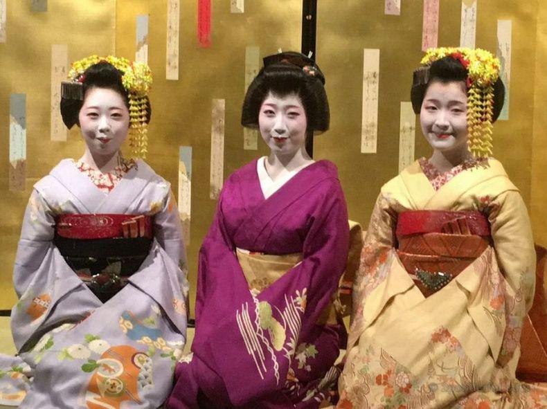 maiko at kibune shrine