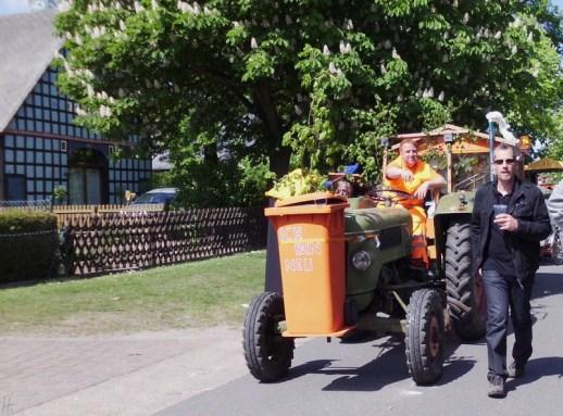 2011-05-01 LüchowBöselBuerbeerfest 057 Müllwagen