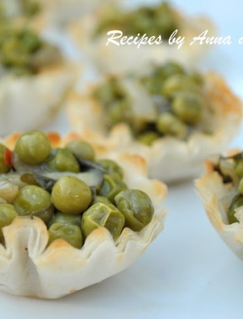 Mini Fillo Pastry Stuffed with Peas, Onions and Capers by 2sistersrecipes.com
