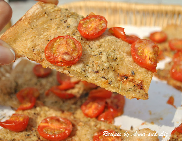 Crispy Thin Breads with tomatoes, Cheese & Herbs by 2sistersrecipes.com