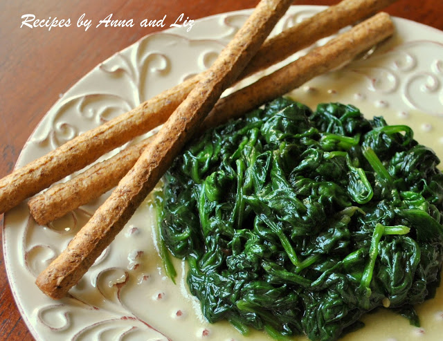 Spinach with Garlic and Olive Oil by 2sistersrecipes.com