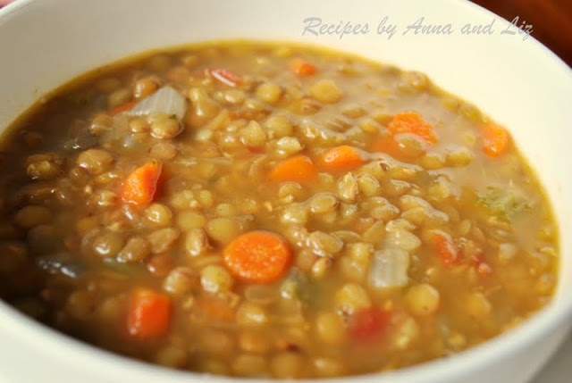 Low-Fat Lentil Soup with Veggies by 2sistersrecipes.com